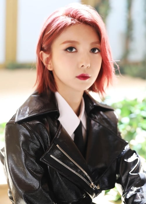 Dami as seen in a picture uploaded to the official Dreamcatcher Instagram account on December 6, 2019
