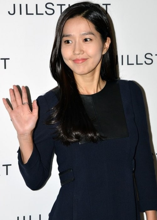 Lee Jin as seen in a picture taken at the Spring _ Summer fashion event of Jill Stuart on September 26, 2012