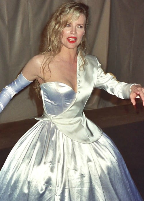 Kim Basinger at the 62nd Academy Awards in 1990