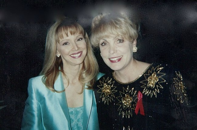 Shelley Long (Left) and Terrie Frankel at the 1996 Cable Ace Awards