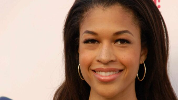 Who is Kali Hawk from Couples Retreat? Wiki Bio, dating, net worth, body