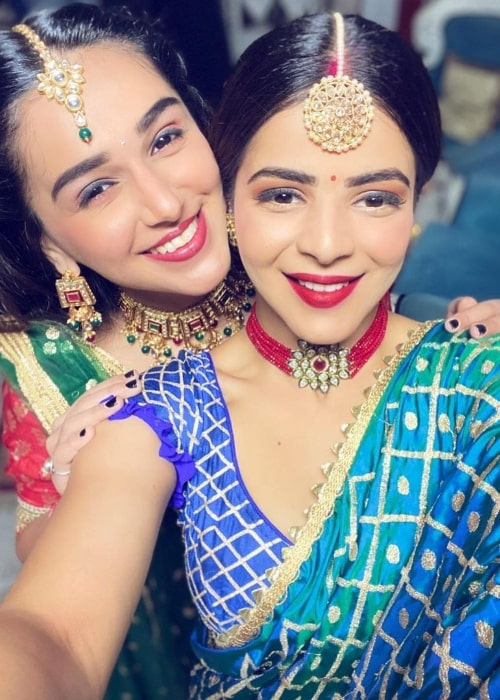 Jigyasa Singh (Right) taking a selfie with Rachana Mistry in November 2020