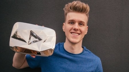 Lachlan Power Height, Weight, Age, Girlfriend, Family, Facts, Biography