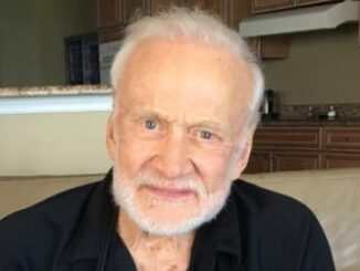 Buzz Aldrin Height, Weight, Age, Family, Facts, Education, Biography