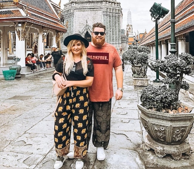 Little Kelly exploring Thailand with her sweetheart in November 2018
