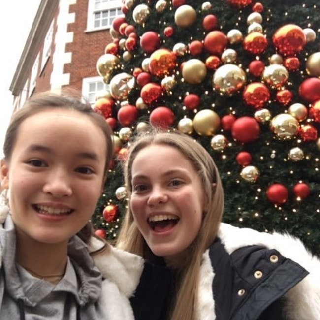 Jenny Richardson (Right) and Dagny Rollins smiling for a selfie while shopping