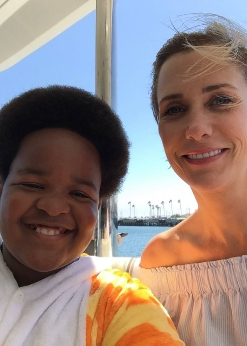 Keith L. Williams as seen while clicking a selfie with Kristen Wiig