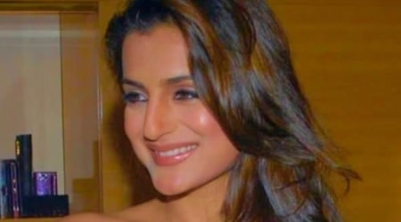 Ameesha Patel Height, Weight, Age, Family, Facts, Education, Biography