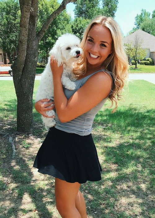 Kylee Renee as seen in a picture that was taken with one of her dogs in June 2018