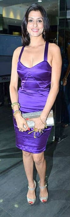 Shilpa Saklani smiling for a picture