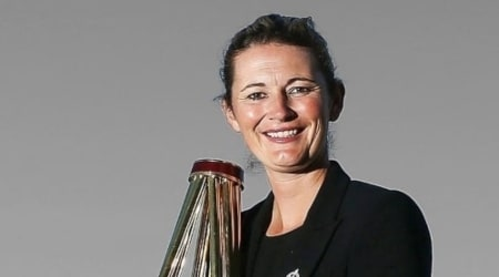 Charlotte Edwards Height, Weight, Age, Family, Facts, Biography
