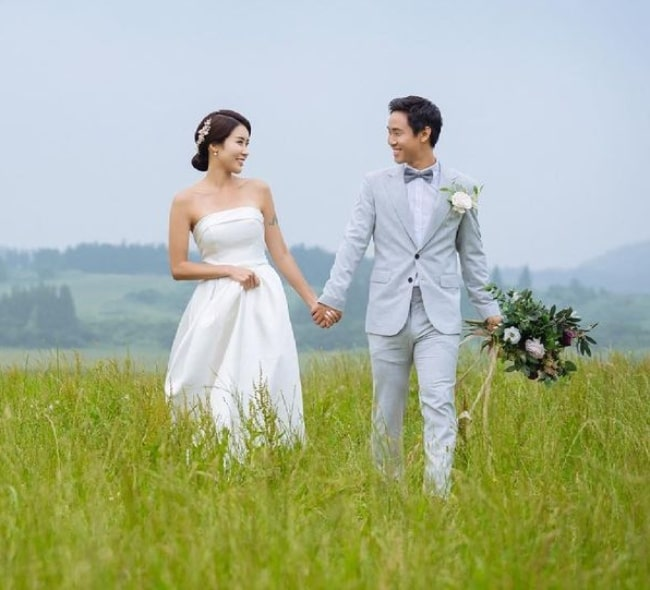 Jason Park with his wife in the past