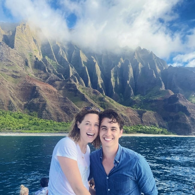 Kyle Selig and Erika Henningsen smiling for a picture while enjoying their time in Kauai, Hawai