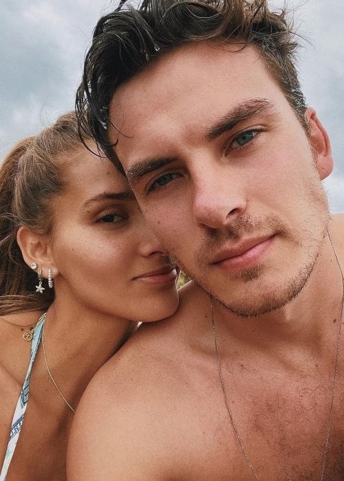 Alejandra Efimer as seen in a selfie with beau singer Andres Ceballos in February 2021