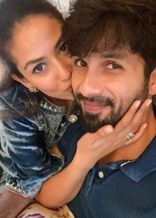 Mira Rajput in a selfie with her husband Shahid Kapoor