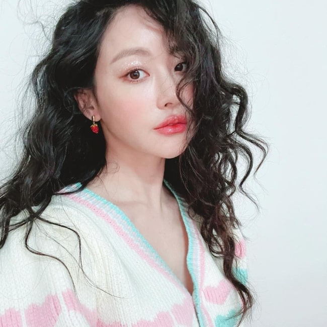 Oh Yeon-seo as seen while taking a selfie in 2021