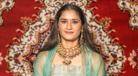 Vinesh Phogat Height, Weight, Age, Family, Facts, Spouse, Biography