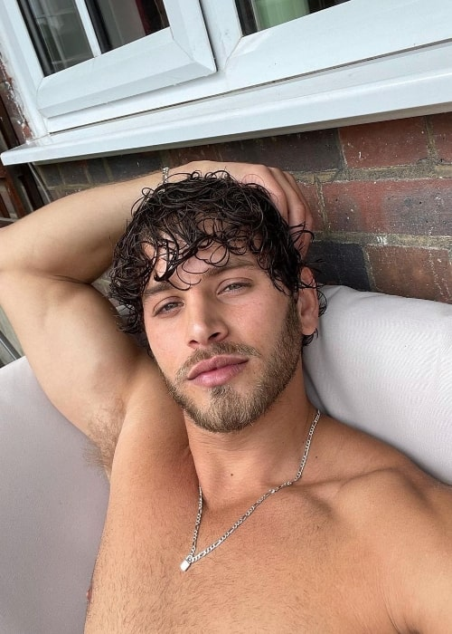 Eyal Booker as seen while taking a shirtless selfie in June 2021