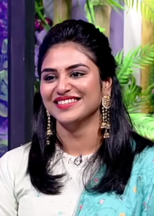 Indhuja Ravichandran in an interview with Puthuyugam TV in 2019