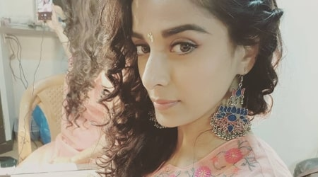 Pooja Sharma Height, Weight, Age, Spouse, Family, Facts, Biography