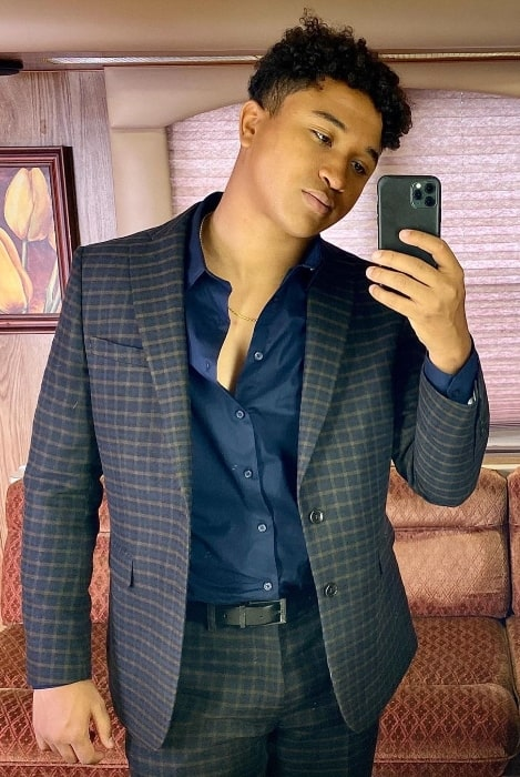 Brandon Armstrong clicking a mirror selfie in Los Angeles, California in September 2020