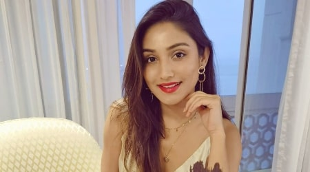Donal Bisht Height, Weight, Age, Boyfriend, Family, Facts, Biography