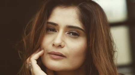 Arti Singh Height, Weight, Age, Boyfriend, Family, Facts, Biography