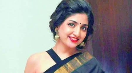 Poonam Kaur Height, Weight, Age, Body Statistics, Biography, Family, Fact
