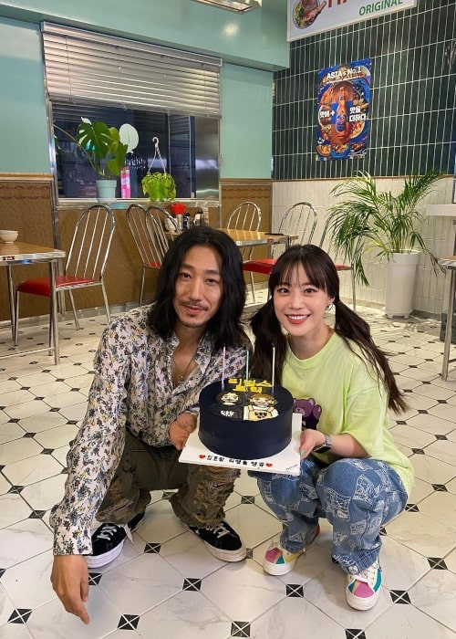 Tiger JK as seen in a picture that was taken with singer and rapper Heo Young-ji in August 2021