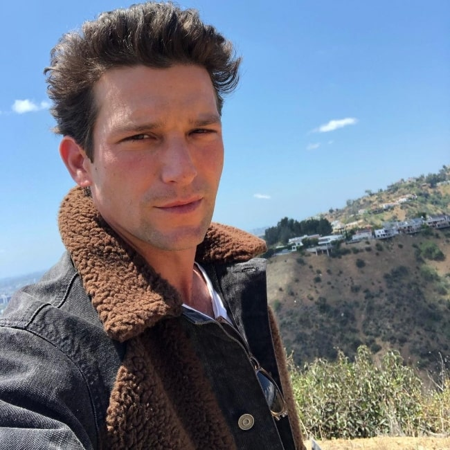 Daren Kagasoff as seen in a selfie at Temescal Canyon Trail in May 2021